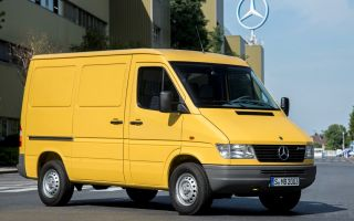 Mercedes-Benz 208 Технические характеристики Интерьер Экстерьер