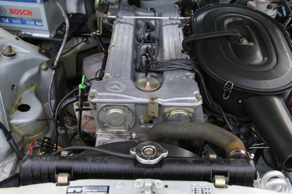 двигатель w123