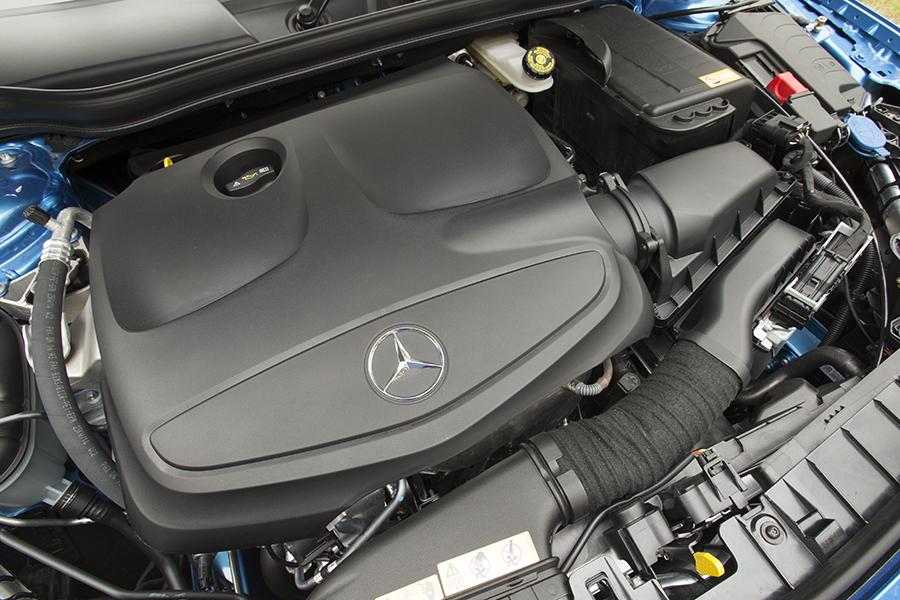 Двигатель ГЛА-Класс 250 фото
