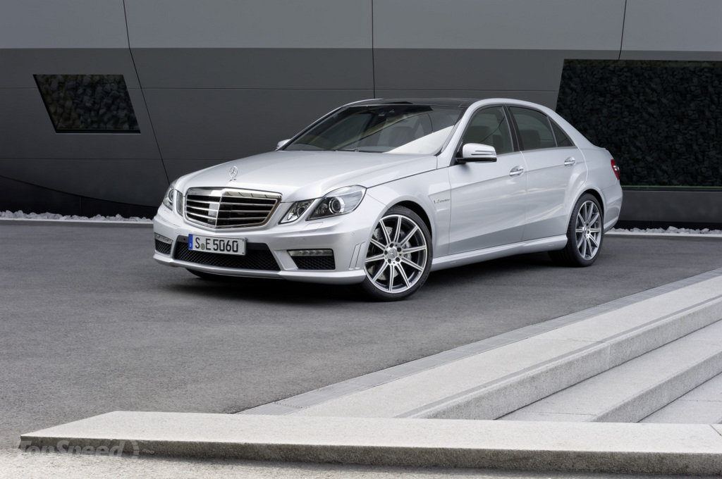 Mercedes W212 фото