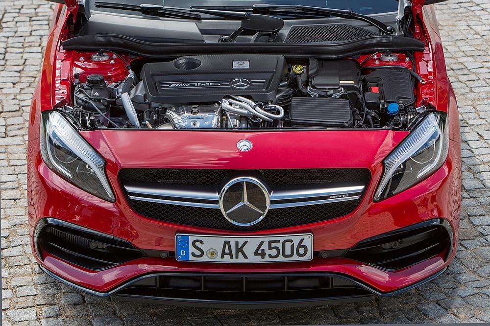 A Klasse 45 AMG двигатель фото