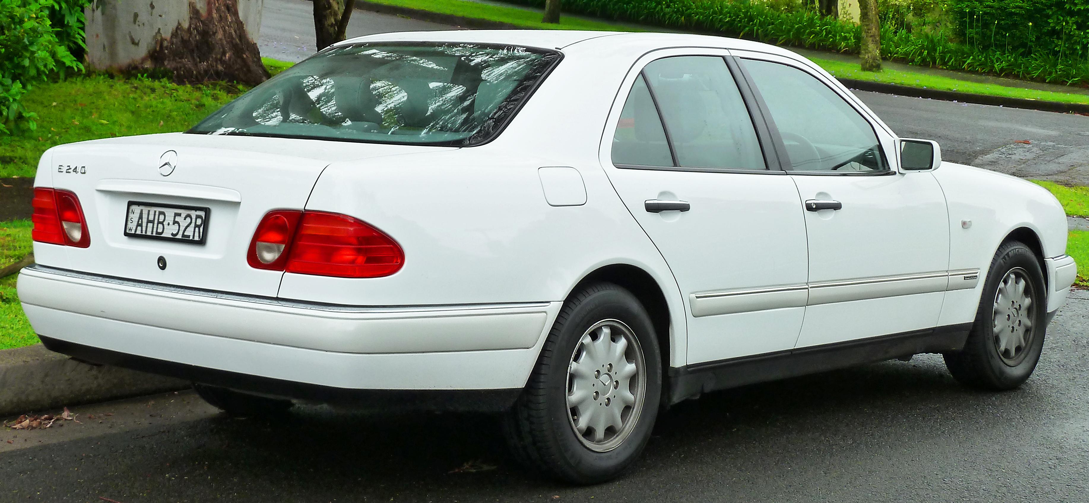 Mercedes-Benz E 240 Elegance