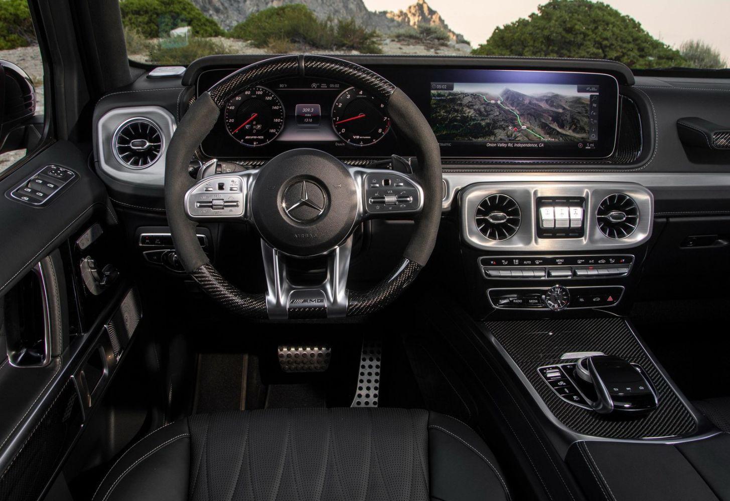 Мерседес-Бенц G63 AMG интерьер