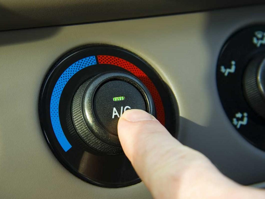 кнопка включения автомобильного кондиционера