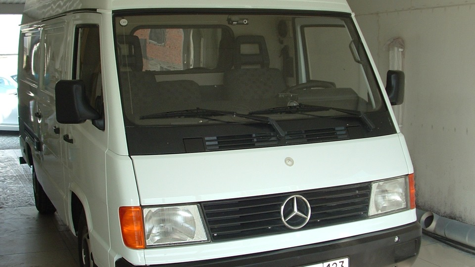 mercedes-benz mb100 1992г